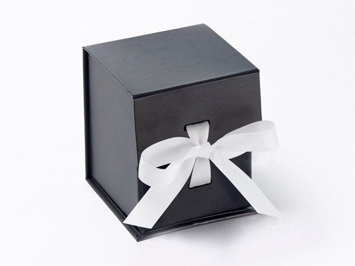 Shenzhen Manufacturer High Quality Custom Logo Printed Small Paper Gift Packaging Box with ribbon