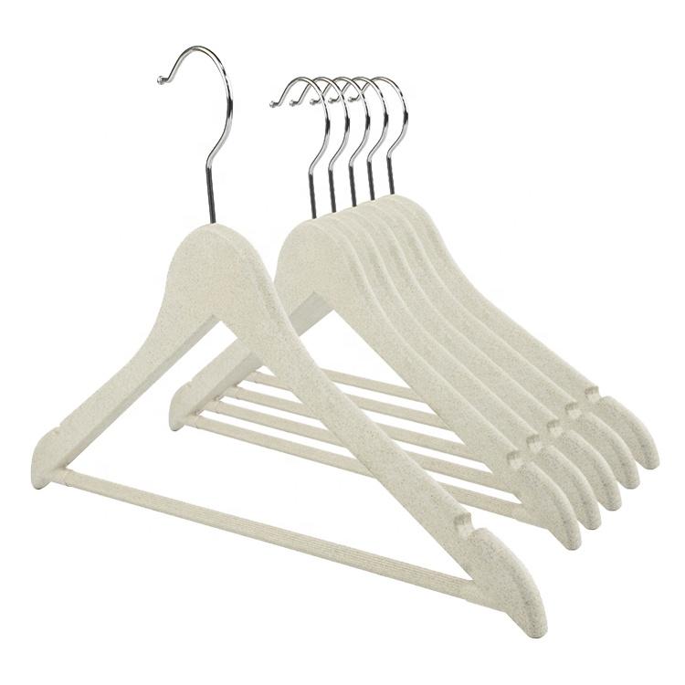 2020 trend ürün tahıl fiber boyasız pp askı asılı raf elbise konfeksiyon askıları plastik