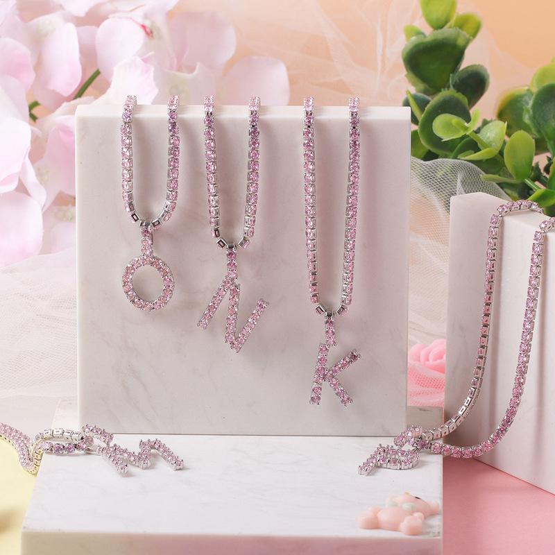 Venta al por mayor alfabeto cubic zirconia diamante Rosa directo carta inicial collar de la joyería para las mujeres 2020