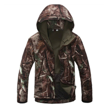 Groothandel Hoge kwaliteit Mannen Outdoor Haai Camouflage Winddicht Man Jas Voor <span class=keywords><strong>Jacht</strong></span>