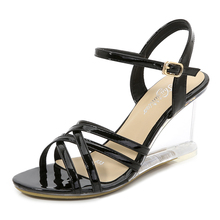 Keil weibliche <span class=keywords><strong>xia</strong></span> 8 cm neue sexy transparent kristall heels glas diamant keile patent leder hausschuhe