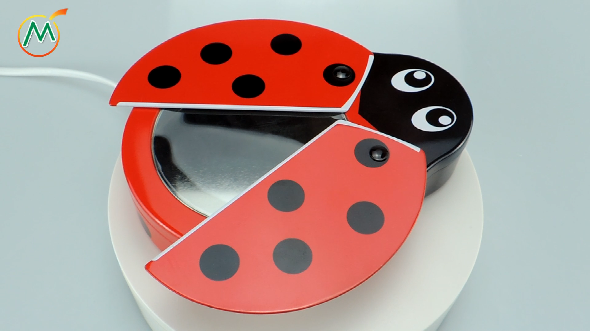 Customer Ladybug and bee shape food grade candy metal tin box with rotary outer lid and window inner lid for Kids