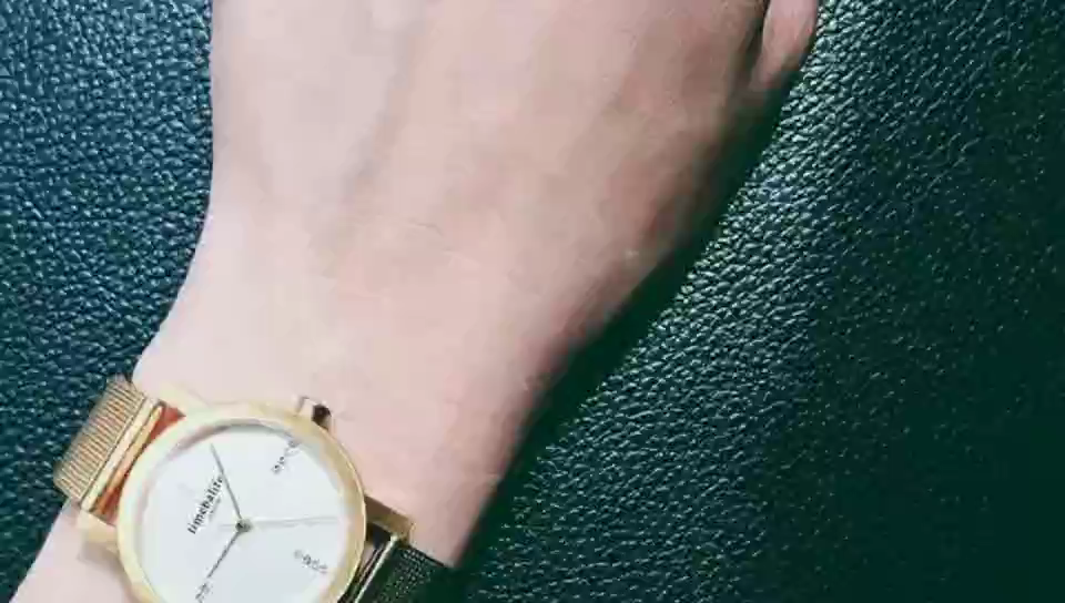 New Trending 18K Plating Gold Case Lady Watch Excellence Quartz Women Wrist Watch