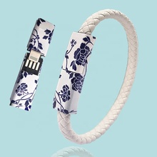 Chinese Stijl Blauw En Wit Porselein Draagbare Mini Manchet USB Kabel Draad Mobiele Telefoon Opladen Data <span class=keywords><strong>Armband</strong></span>