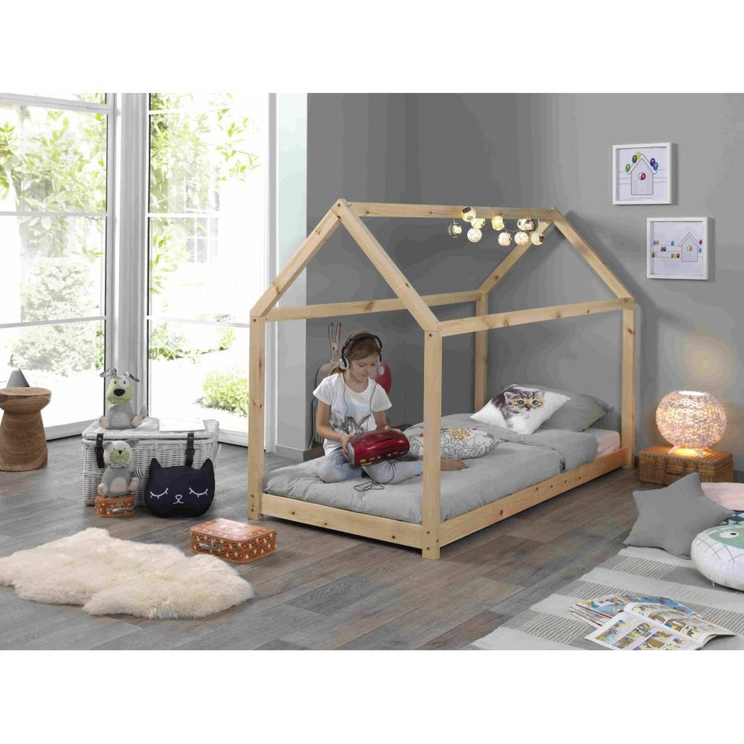 Picture of: Kids Wooden Single House Bed In Pine Buy Wooden Single Bed Single Beds For Sale Solid Wood Canopy Bed Product On Alibaba Com