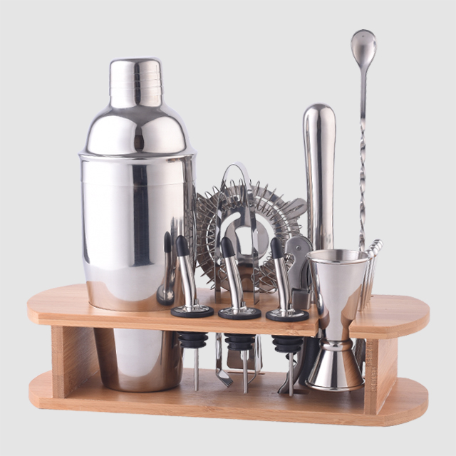 Factory Direct 25oz stainless steel bartender kit travel cocktail making bar set with stand