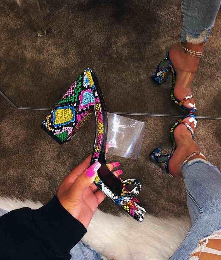 2019 קיץ חדש נעלי נשים סנדלי עקבי בתפזורת סיטונאי נעלי עקבים גבוהים גבירותיי נעליים מהודרות הי
