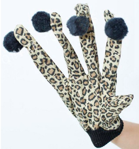 New cat toy 2020 Interactive Pet Cat Plush Leopard Print Glove Kitten Teaser Toy with Finger Wool Balls