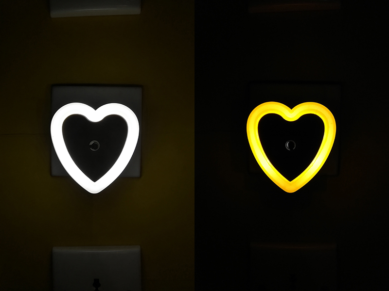 OEM W105 love heart 4SMD mini switch plug in night light wall decoration children gift