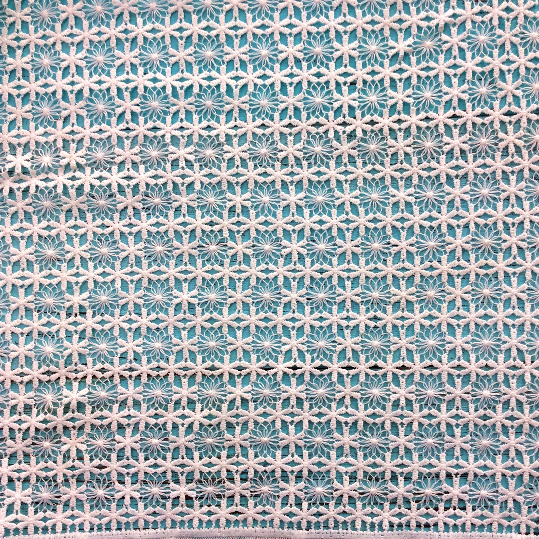 Cheap Polish Japanese French Lace Embroidery Fabric