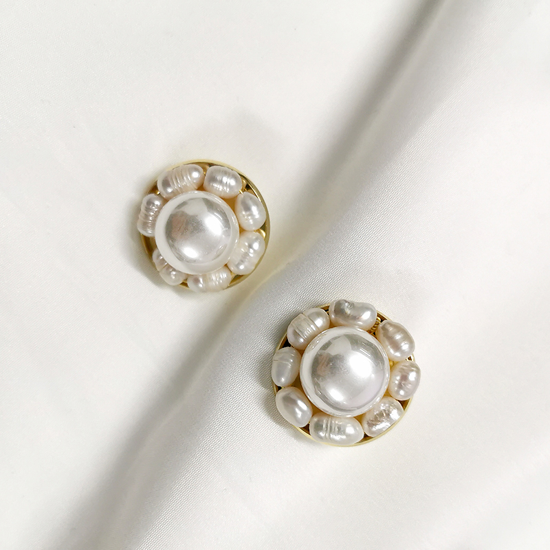 Flower Round <strong>Pearl</strong> <strong>Stud</strong> <strong>Earrings</strong> Natural Freshwater <strong>Pearl</strong> Circle Geometric <strong>Earrings</strong> French Gold <strong>Earrings</strong> for Women Wholesale