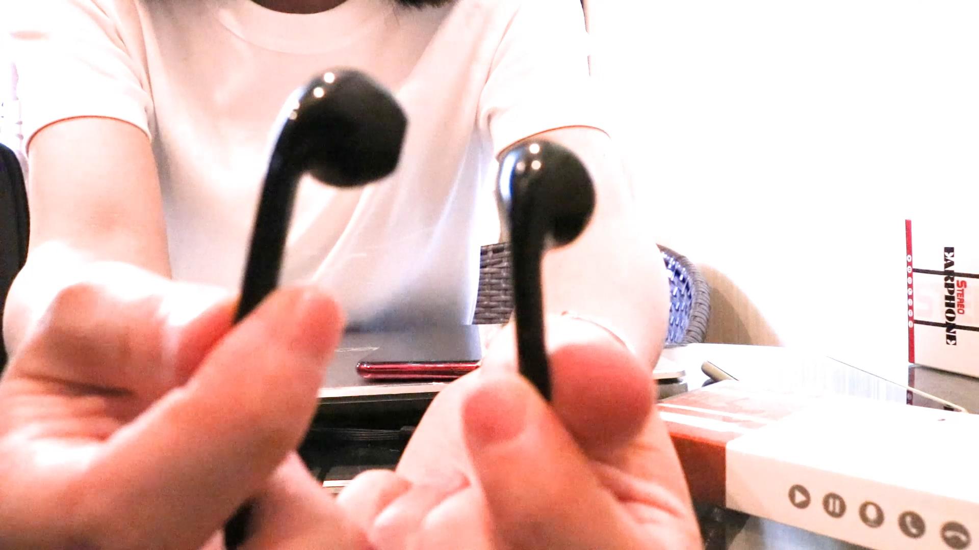 Penjualan Panas Di Telinga Wired Kontrol Stereo Flat Wire Earphone Headphone untuk Ponsel