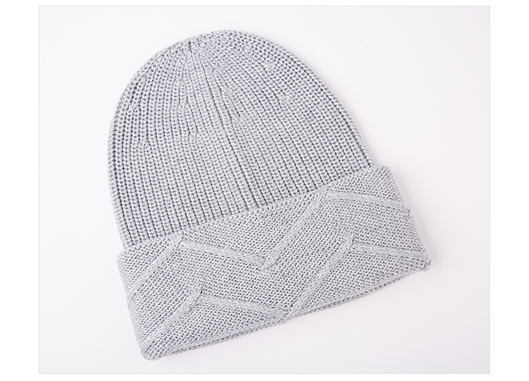 Custom logo grey color oversized knitted beanie hat