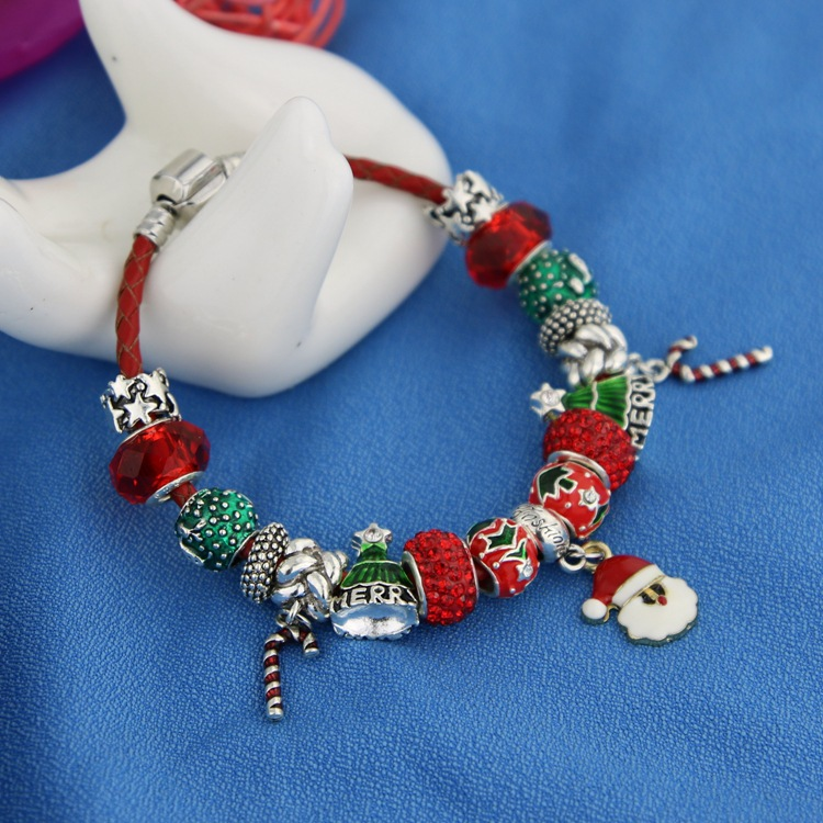 Factory wholesale Christmas Bracelet Cute charms snowflake gloves Santa hat bracelet for women girls