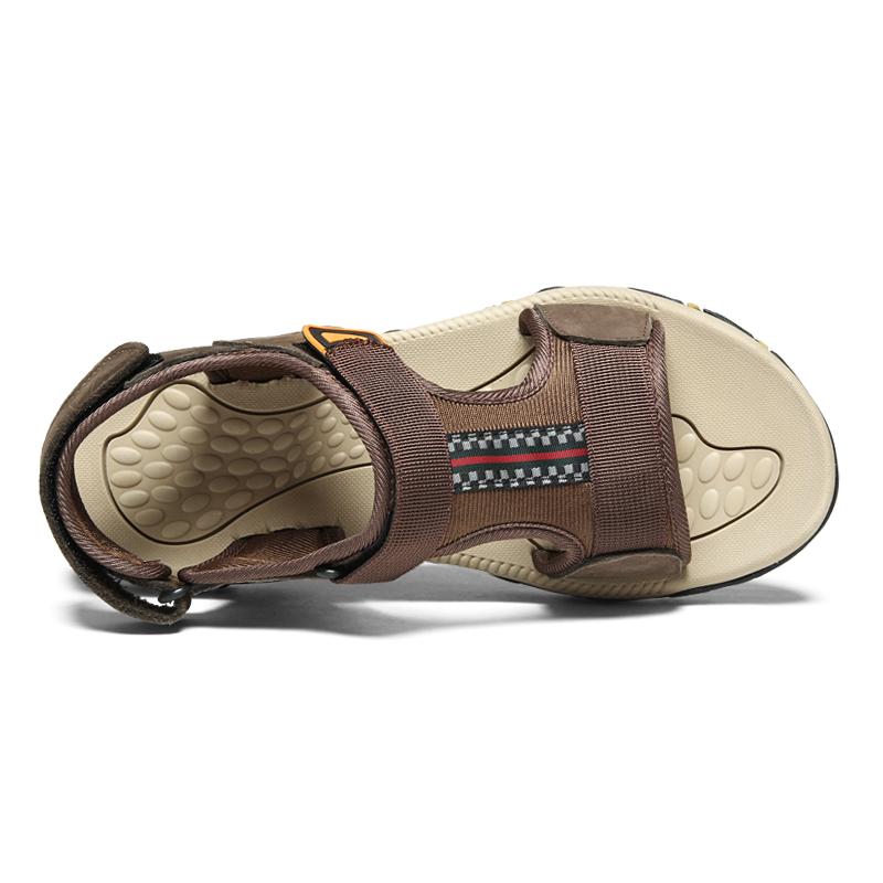 Confortevole antiscivolo chiudi scarpe a punta del cuoio genuino di buona qualità degli uomini di modo di sport sandali commercio all'ingrosso Della Cina
