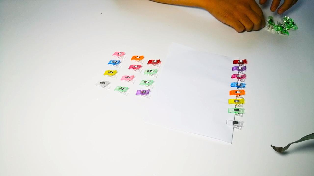 Mejor calidad barato color diferente hemming clip de almacenamiento