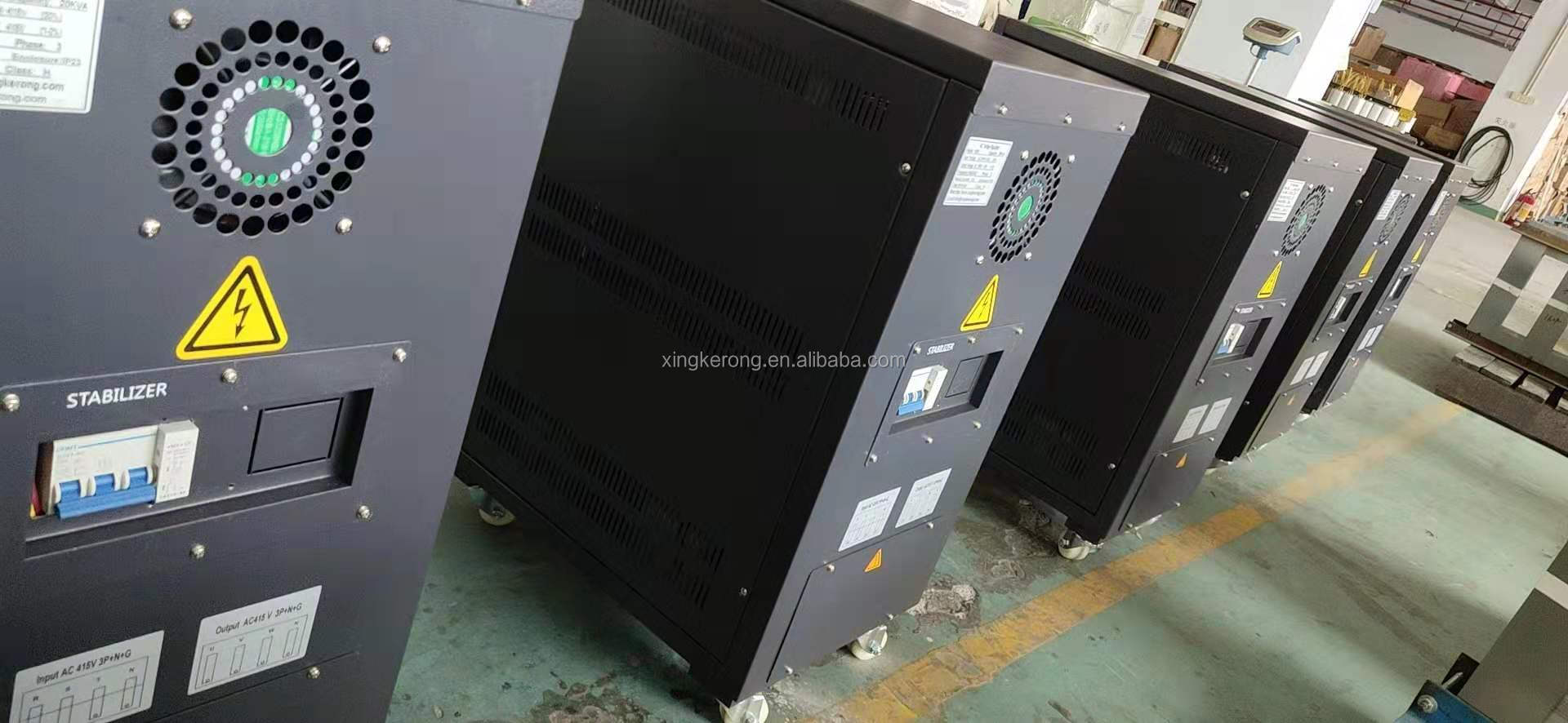 380V 3 Phase + N + G Tegangan Stabilizer 30 Kw/Voltage Regulator 30 Kva