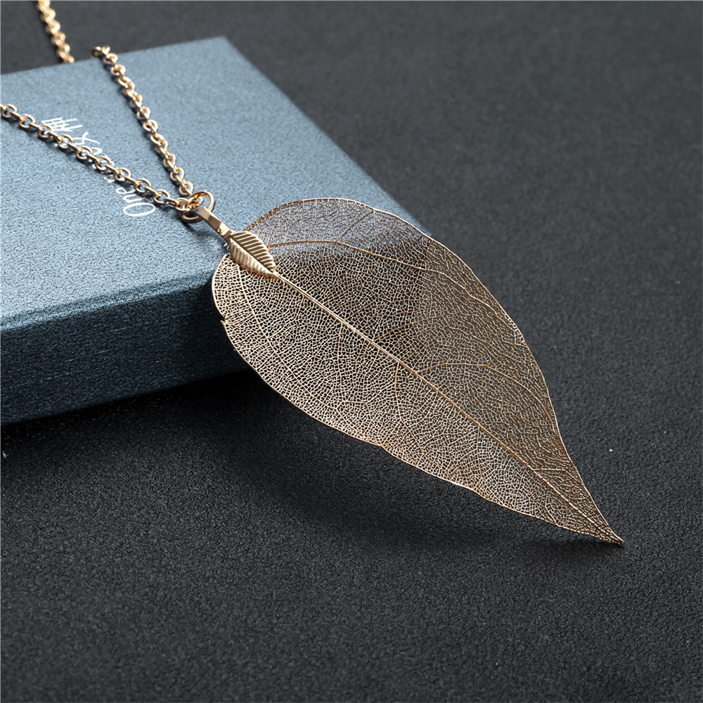 2020 Leaf Shape Copper Cheap Fashion Charm Women Chain Jewelry Gold Plated Custom Necklace Set
