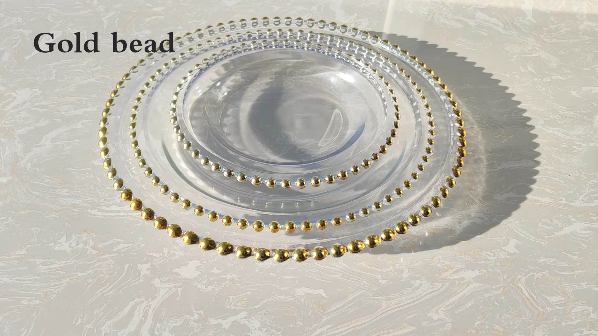 wholesale 13 inch clear round gold rim glass beaded charger plates for wedding underplate decoration