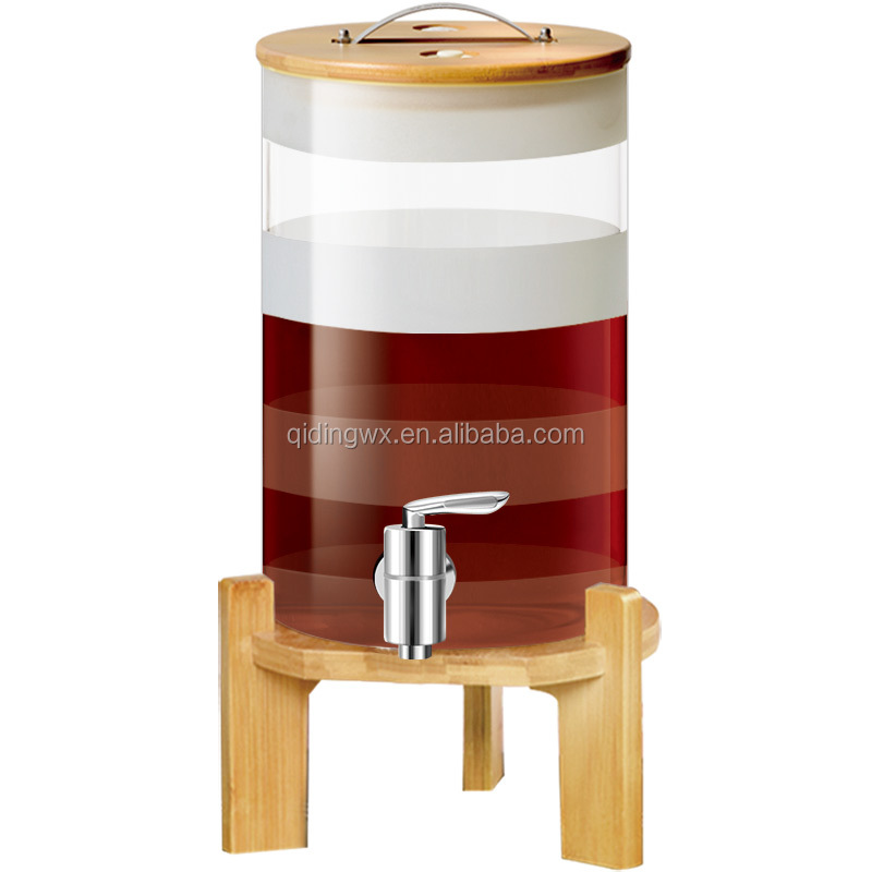 Drank Dispenser Met Hout Stand