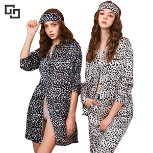 High Quality Long Sleeves Leopard Printed Women Silk Pajamas And Nightshirt Set Sleepwear