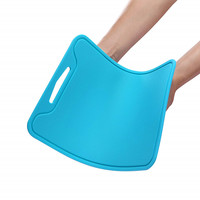 Dishwasher safe and non slip silicone plastic flexible cutting board for kitchen