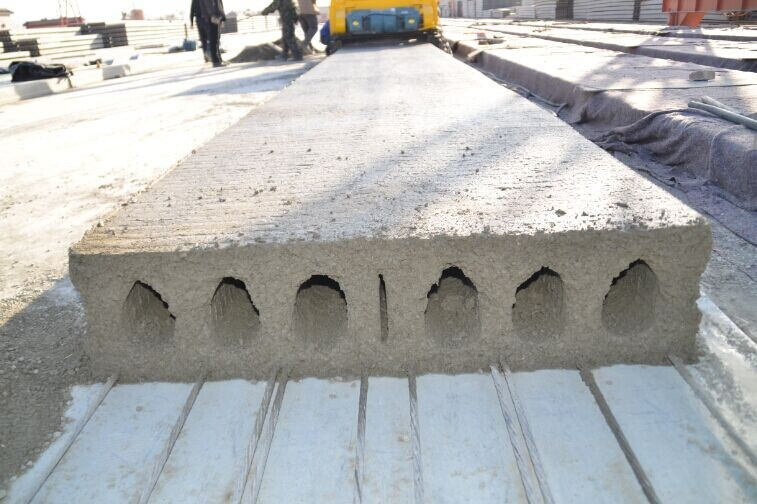 Prestressed Concrete Sidewalks : Precast concrete floor slab machine hollow core wall