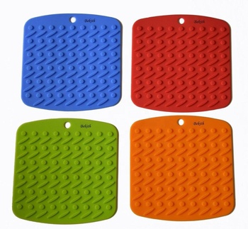 Quality warranty Non-slip durable hot pads set of 4 silicone pot holder, travet mat