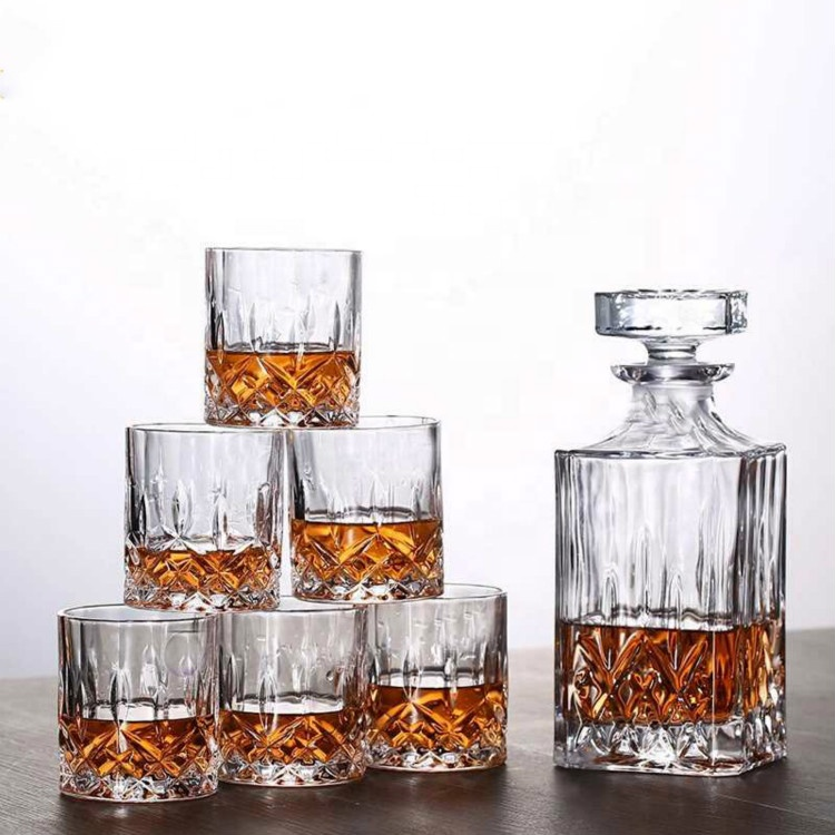 Wholesale Machine Made Cheap Novelty Crystal Whiskey Glass Decanter Gift Set
