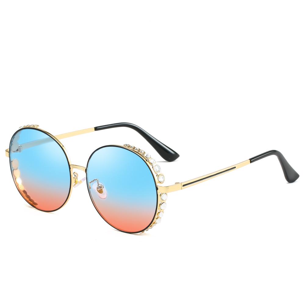 2056807ad4 Marca de lujo de cristal de diseño de Mujer Transparente caliente gafas de  sol de moda