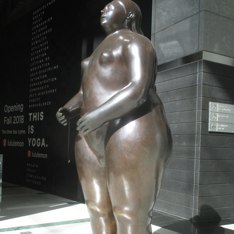Италия статуя голой толстой женщины, русские свингеры минет сауне видео