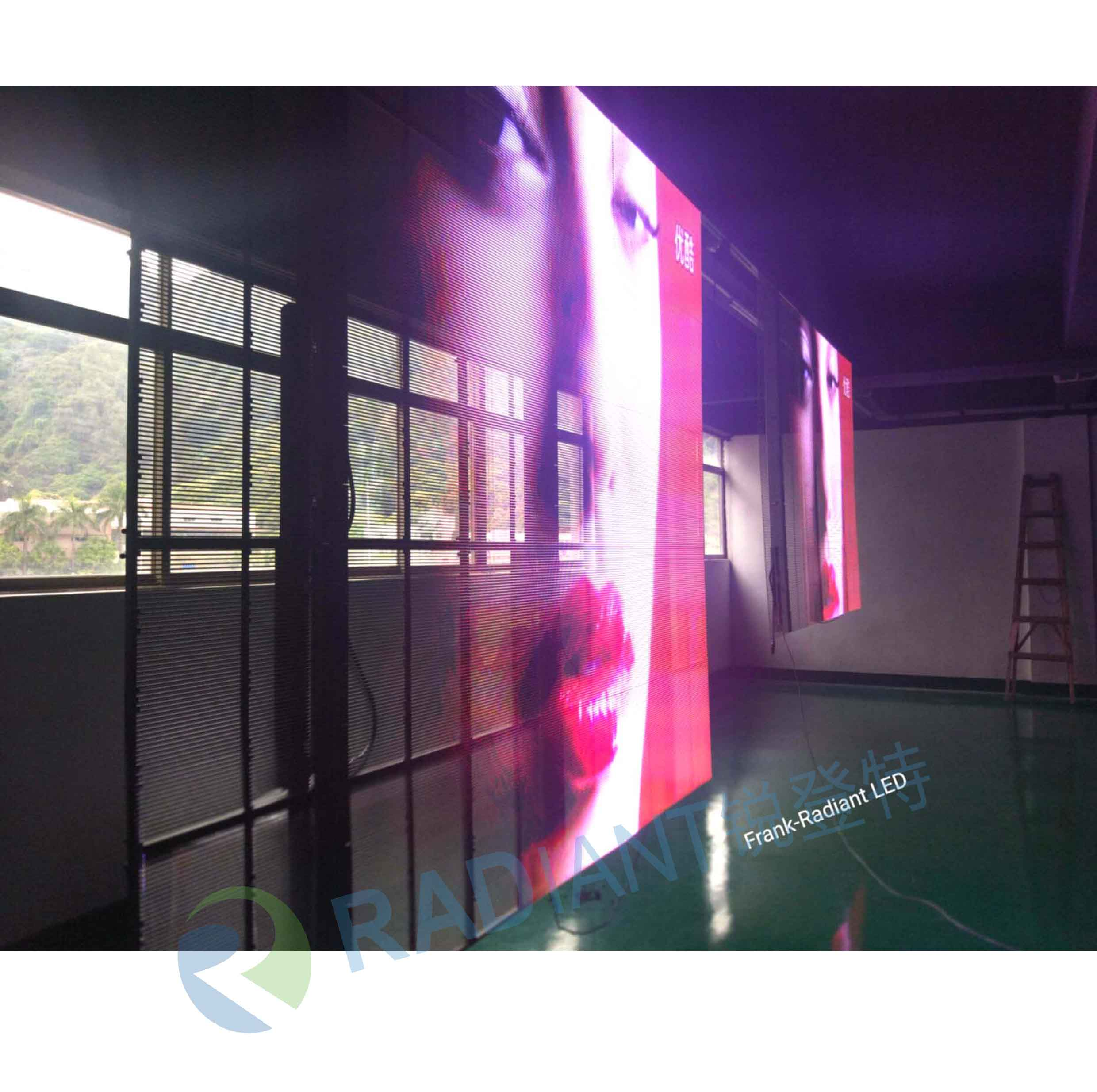 Led transparante mesh displays doorschijnend led screen voor retail etalage winkel visual merchandising
