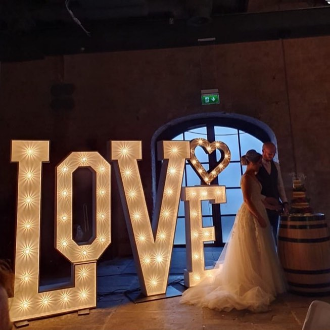 Guangzhou Factory Custom LED Marquee Letters 4ft Metal Light Up Letters For Wedding