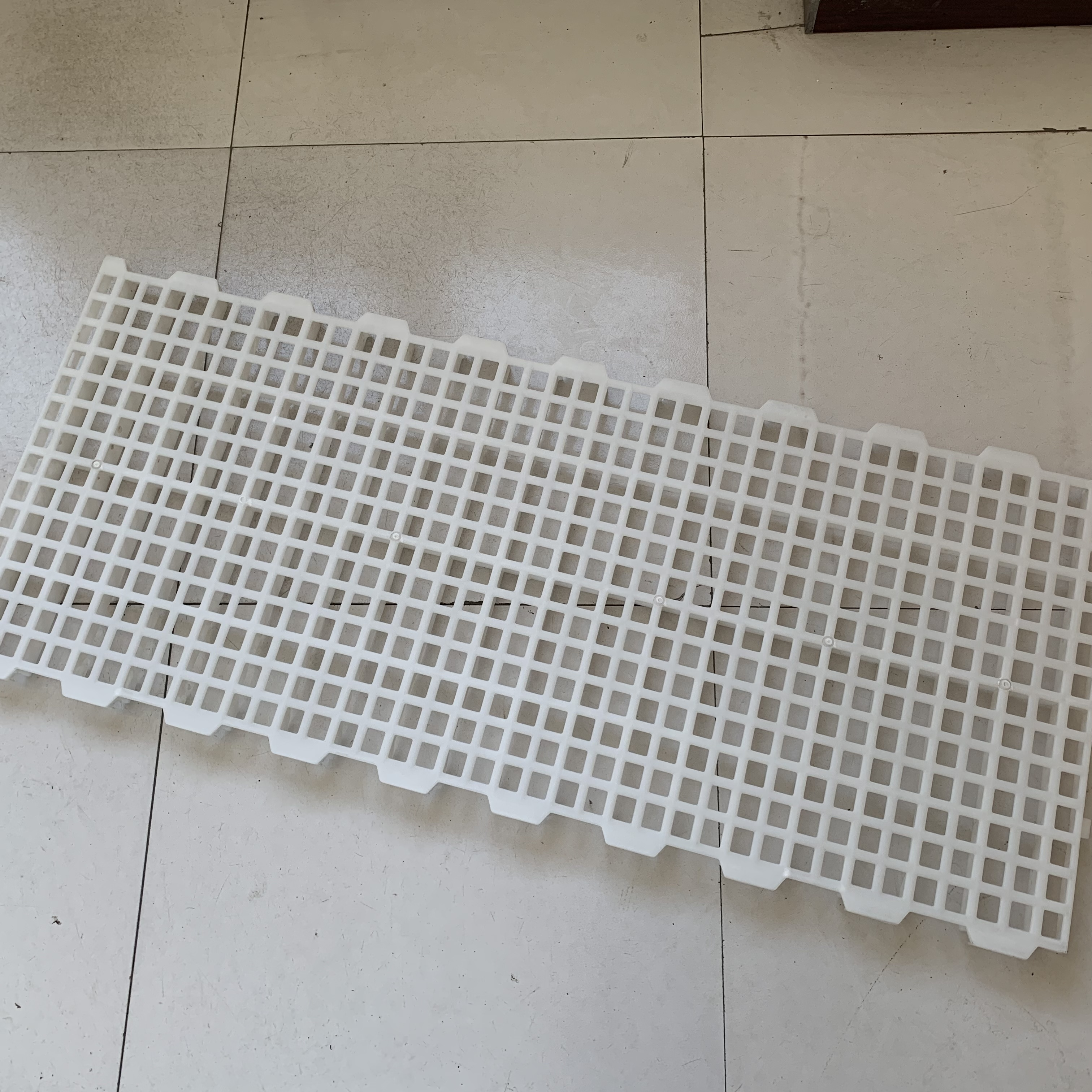 New Material Plastic Slat Flooring For