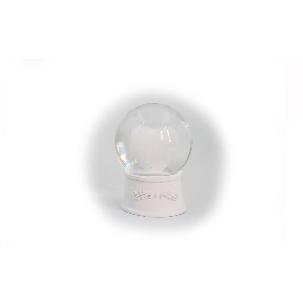 Love simpleness design <strong>resin</strong> white valentine's snow globe