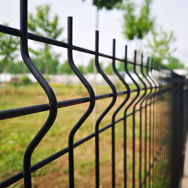 China Supplier iron fence prices/ welded gates and steel fence design