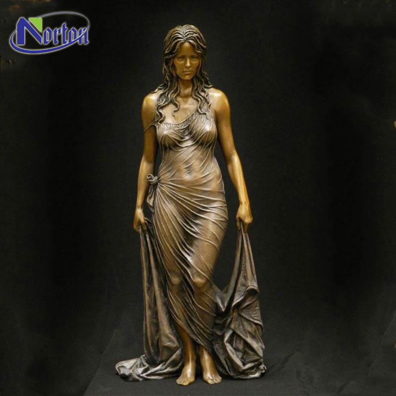 आधुनिक घर सजावट सार हाथ नक्काशीदार चित्रा मूर्तिकला कांस्य नग्न महिला प्रतिमा