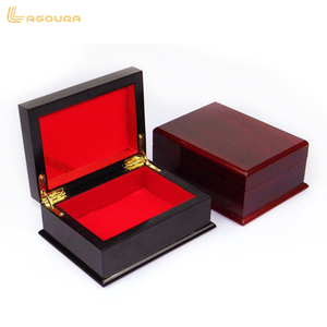 High-end playing cards wooden packing box