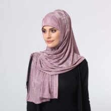 Groothandel Zachte Goede Kwaliteit Hebben Gloss Dubai Modieuze Polyester Hijab <span class=keywords><strong>Sjaal</strong></span>