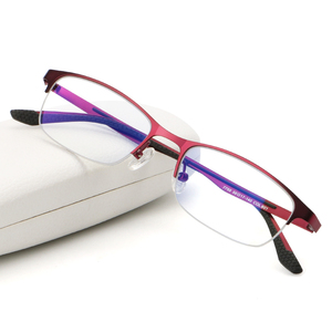 Guangzhou Wholesale Fashionable Glasses Classic  Womanmetal reading glasses Half frame glasses woman