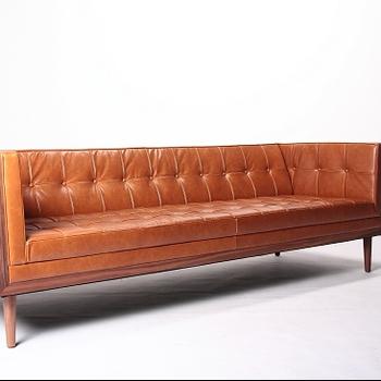 Expensive Autoban 227 Box Lager Sofa