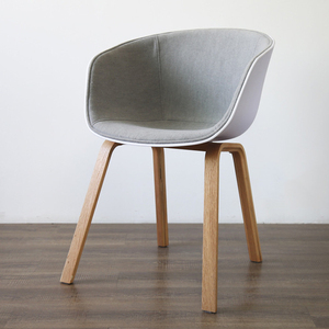 Modern high quality plastic chair with solid wood legs