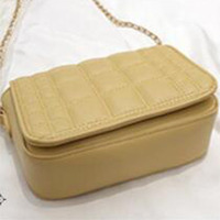Manufacturers direct sales of new quilted overturned clutch ladies fashion city crossbody bag