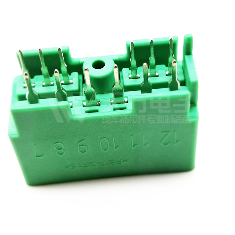 China Suppliers 12 Pin PCB Automotive Connectors
