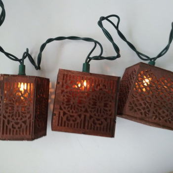 UL High Quality Garden Outdoor Decor Wooden Ramadan Christmas Decorative Brown Vintage Square Lantern Starry String Light