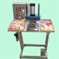 manual plastic spout sealing machine