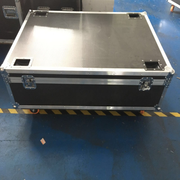 132*80*49cm Customized Logo Road Case Flight Case for dance floor