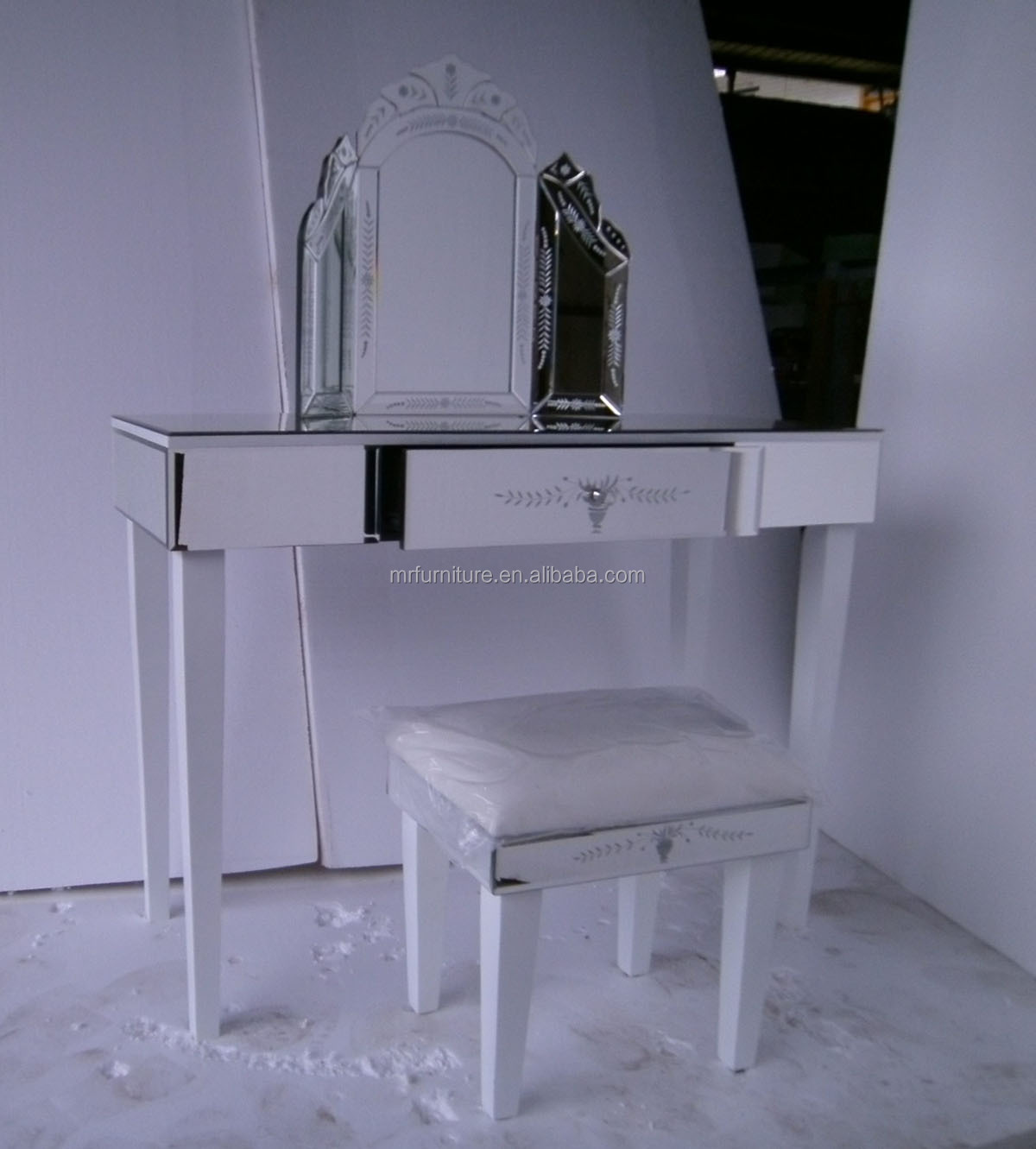 White legs venetian mirrored dressing table with folding for Small mirrored dressing table set