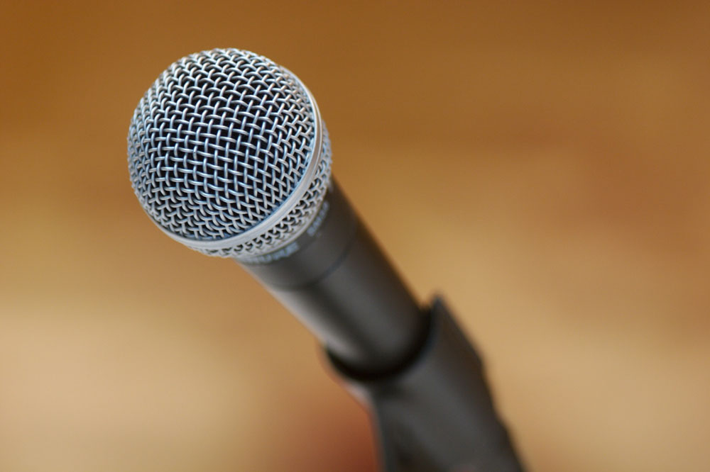 how to clean microphone grill