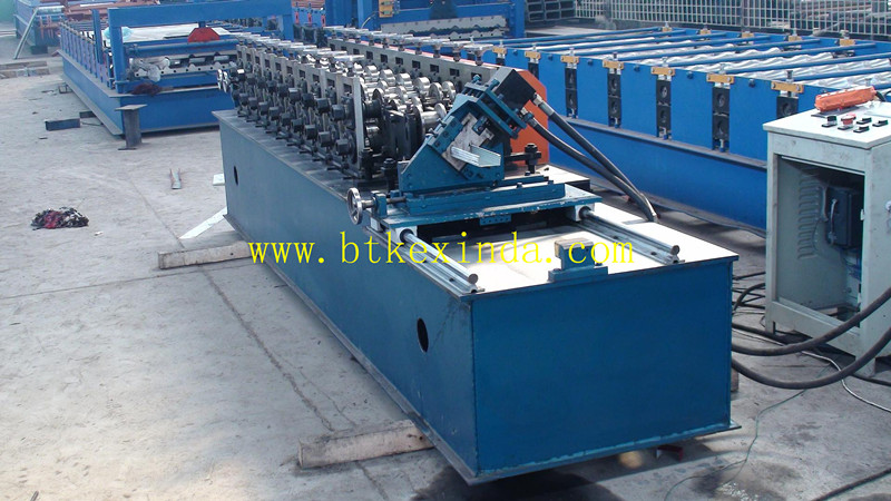 u stud roll forming machine1